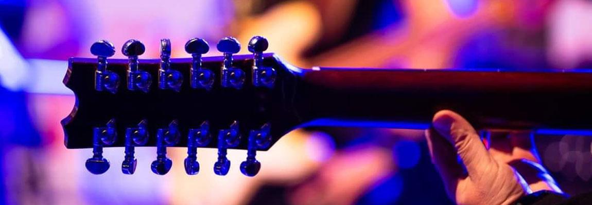 12-seitige Gitarre der Coverband Wild@Heart aus Wuppertal